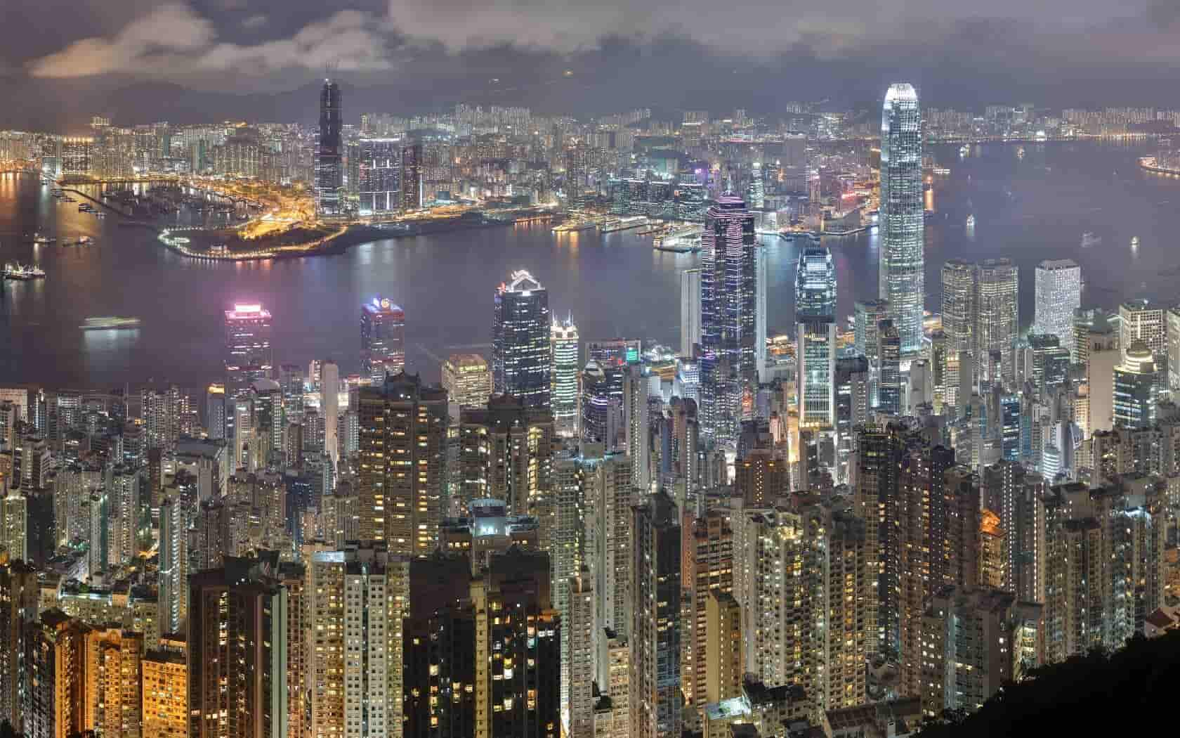 Hong Kongs Declining Property Prices Affect the Economy